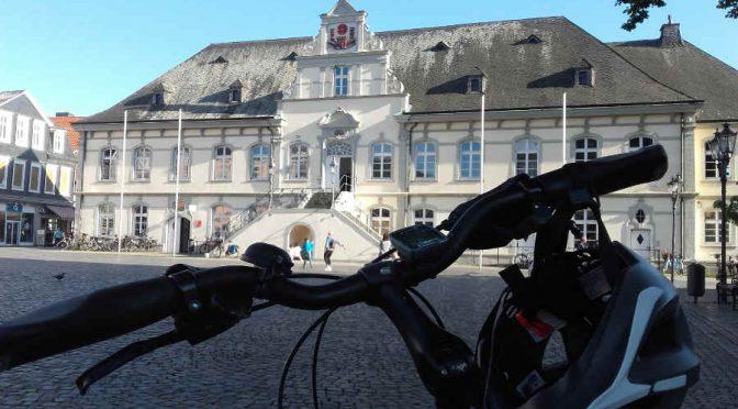 Fahrrad vor dem Rathaus in Lippstadt NRW